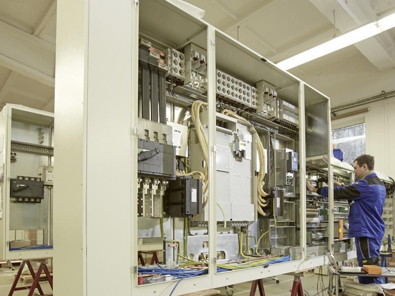 Schaltschrankverdrahtung Schaltanlagenbau Montage