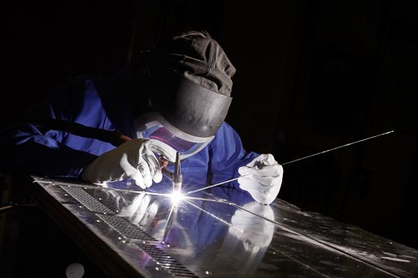 Industrie Gehäuse & Schaltschränke – neue Kapazitäten im Schaltschrankbau