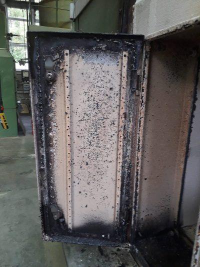 Brandschutzgehäuse innen nach ca. 30min Beflammung